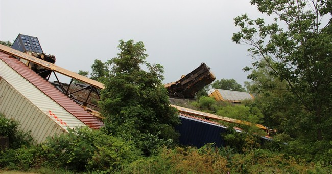 Officials: Train derails in Virginia; no injuries