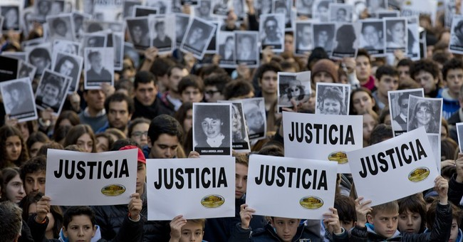Argentina bombing victims' relatives want justice