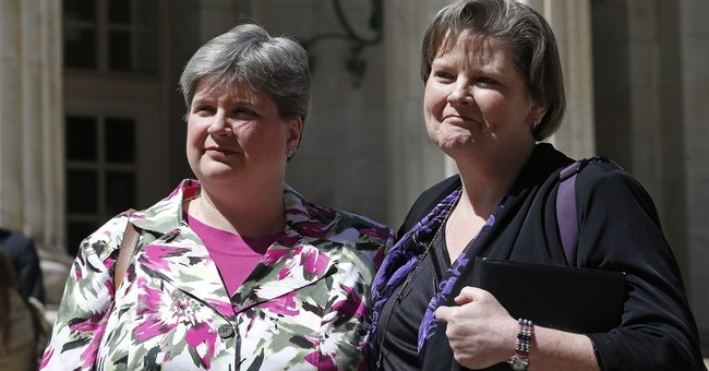 US appeals court tosses Oklahoma gay marriage ban