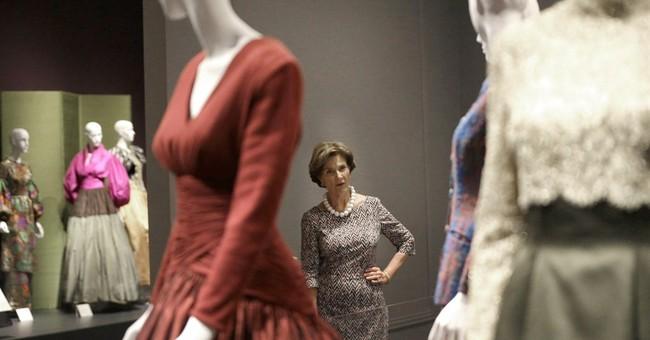 Oscar de la Renta exhibit opens at Bush library