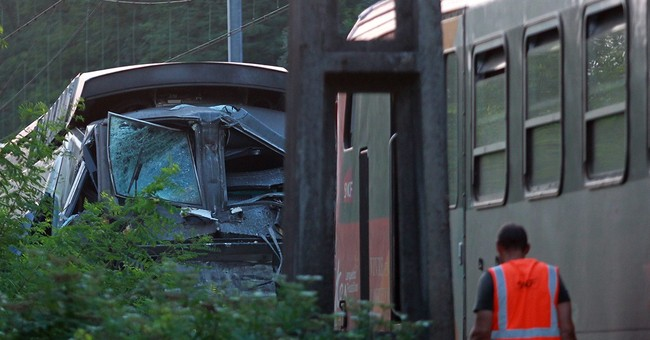 French train crash: Signal problems, uneven speed