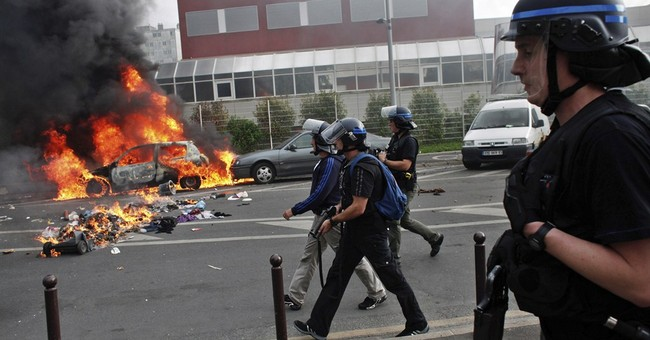 French youth, police clash at anti-Israeli protest