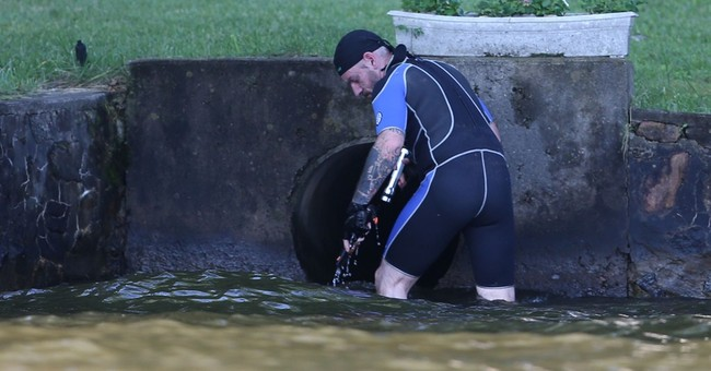 Hunt on for possible anaconda in New Jersey lake