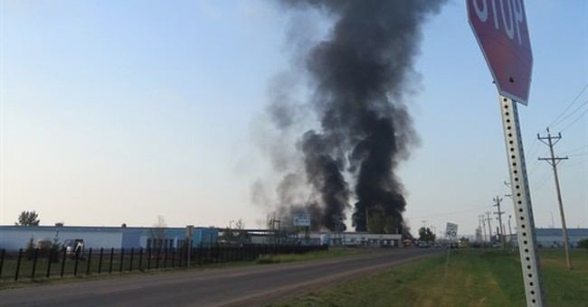 Slow public alert on Williston fire raises concern