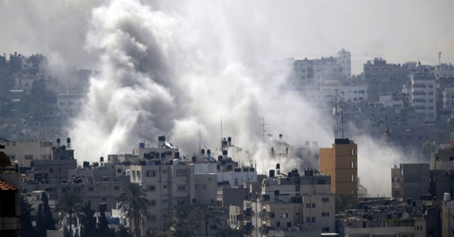 UN rights chief warns of possible Gaza war crimes
