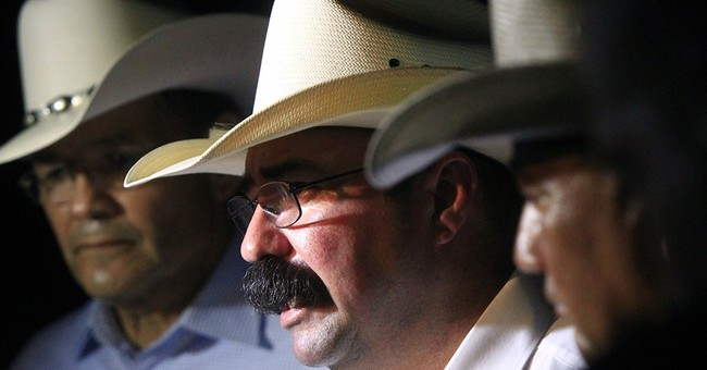 Gunman who wounded 2 Texas officers found dead