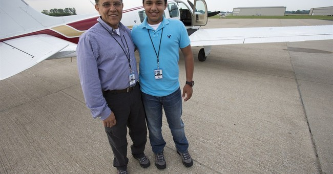 Witness: Teen's plane didn't show obvious distress
