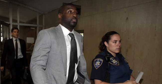 Mavericks' Felton pleads guilty in NYC gun case