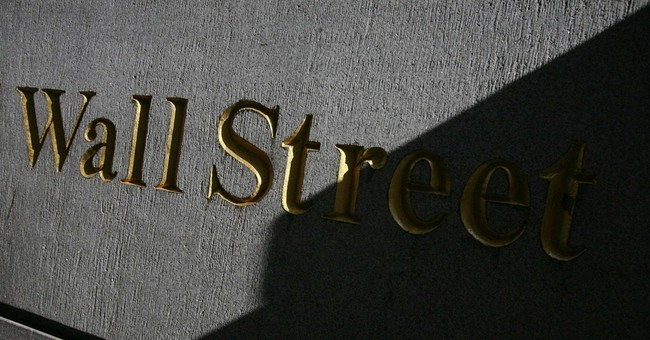 S&P 500 ekes out record high as earnings roll in