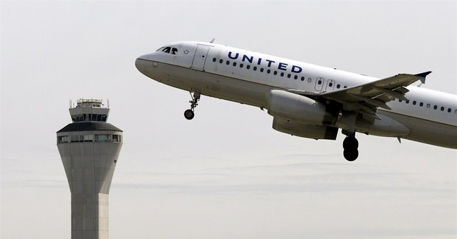 United Airlines posts 2Q profit, reversing 1Q loss