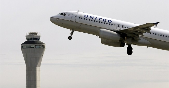 United Airlines posts 2Q profit, reversing 1Q loss