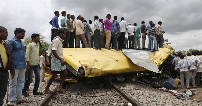 18 children, 1 man die in train-bus crash in India