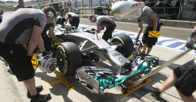 Mercedes drivers fastest in Hungarian GP practice