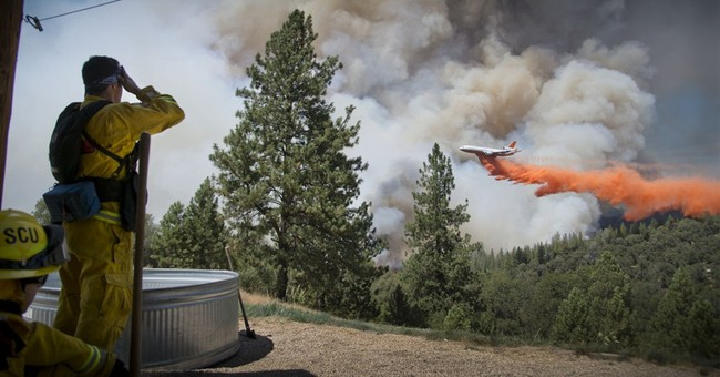 Fires near vineyards, Yosemite park threaten homes