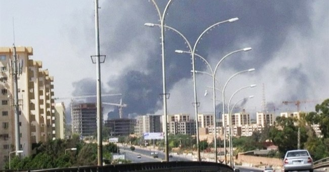 Oil depot ablaze amid clashes in Libyan capital