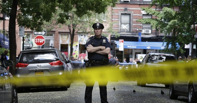 Abuse suspect dead; 2 marshals, NY policeman hurt