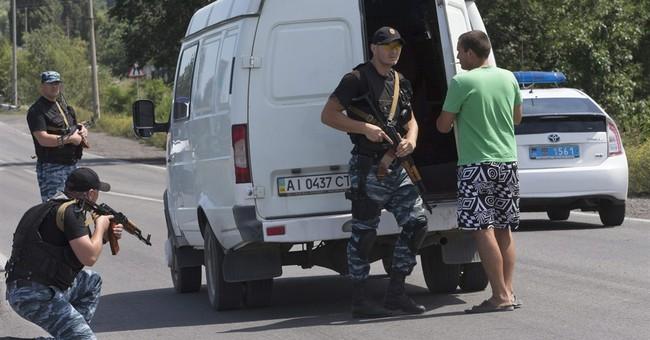 Fighting in Ukraine prompts residents to flee