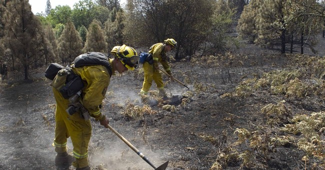 Crews make gains on 2 California wildfires