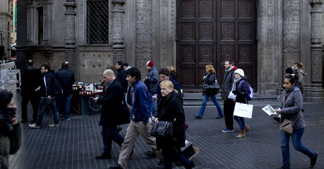 Argentines shrug off risk of default