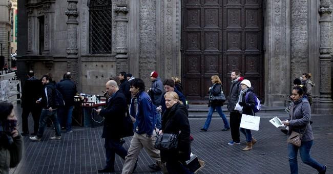Argentines shrug off risk of default