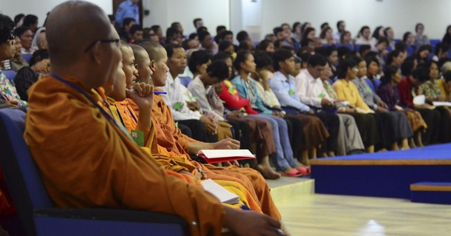Khmer Rouge tribunal clears way for genocide trial