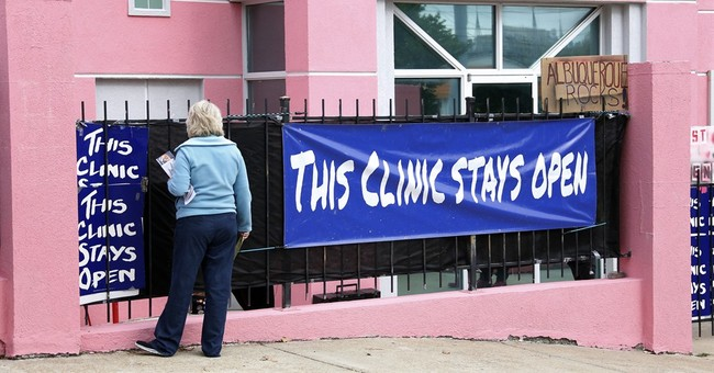 US appeals court blocks Mississippi abortion law