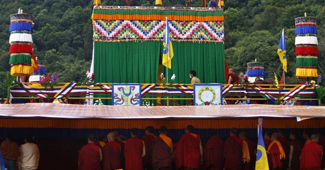 Tibetan monk cremated in Nepal without protests
