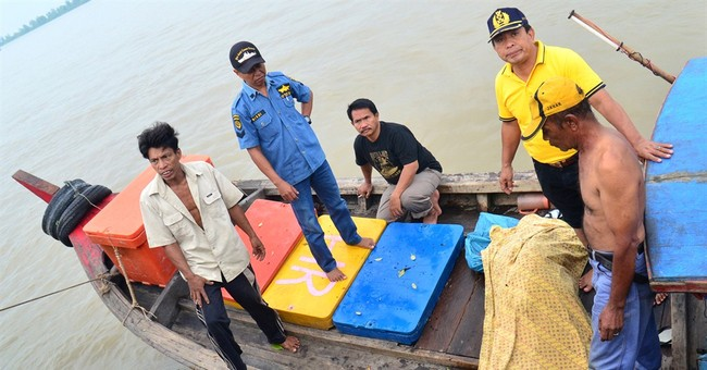 More bodies found in Indonesia's 2 boat disasters