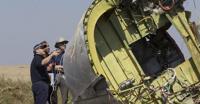Ukraine: Body parts retrieved at jet crash site