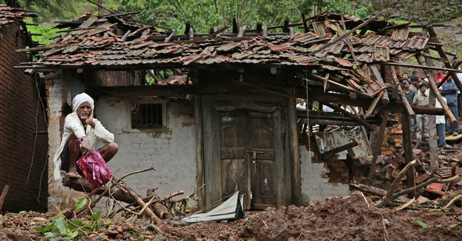 Hopes fading for scores buried in Indian landslide