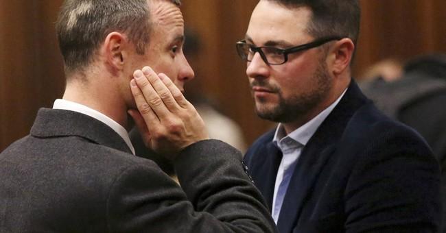 Oscar Pistorius' brother 'badly hurt' in car crash