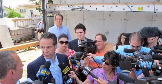 Corruption probe might not hurt Cuomo's US profile