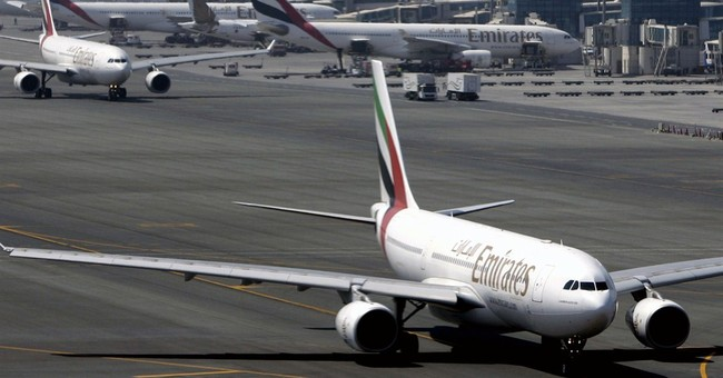 Emirates halts flights to Guinea over Ebola fears