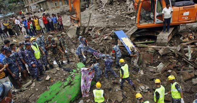 Nepal landslide raises fears of flooding in India