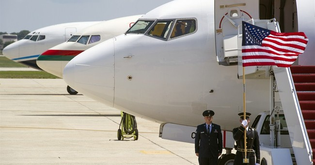 Feds watch airline passengers for Ebola symptoms