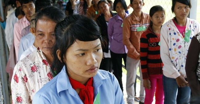 Experts look at Cambodia's Khmer Rouge trial