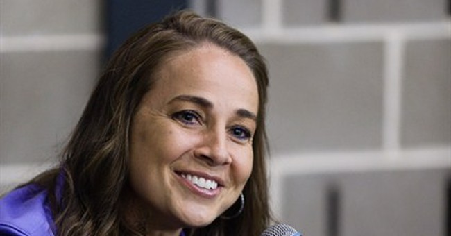 Spurs hire WNBA star Becky Hammon as assistant