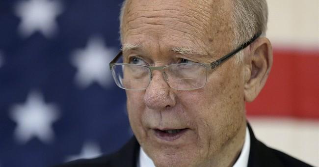 Kansas GOP Sen. Roberts defeats tea partyer