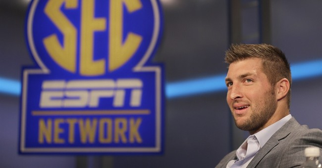 Tebow embracing analyst job while waiting on NFL