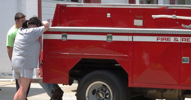 Mother-son firefighters hurt, killed in Kentucky