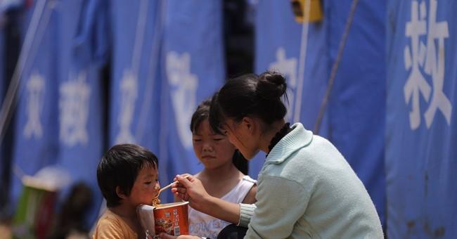 Image of Asia: Feeding quake survivors in China