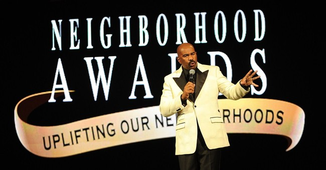 Steve Harvey moves awards to accommodate fan base