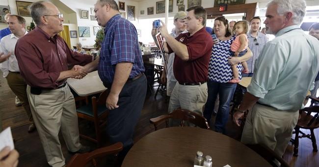 Alexander looks to fend off Tenn. GOP challengers