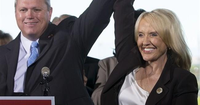 Arizona governor makes key endorsement in primary