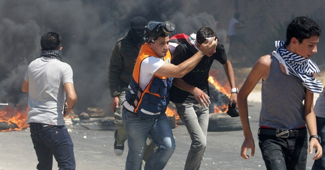 Israel-Hamas truce collapses in new violence