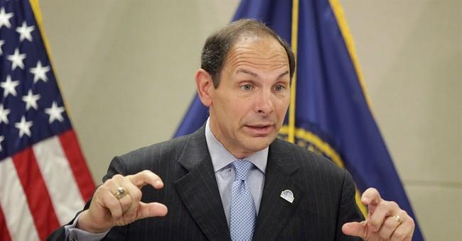 VA chief makes 1st hospital visit amid scandal