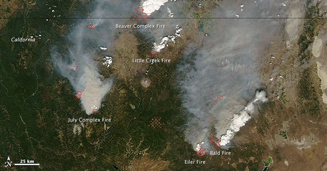 Firefighters gain ground on Oregon blaze