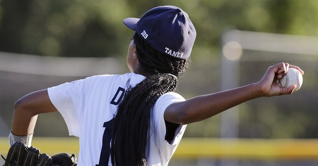 Female pitching star leads team to LLWS