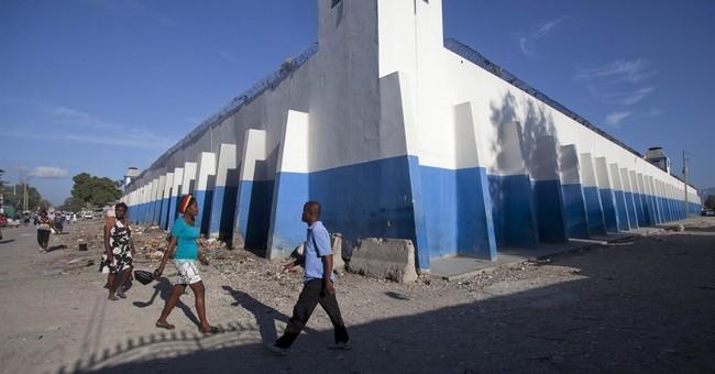 Haiti police search for 329 escaped prisoners