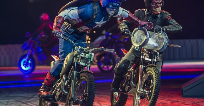 Marvel heroes and villains fight it out _ live
